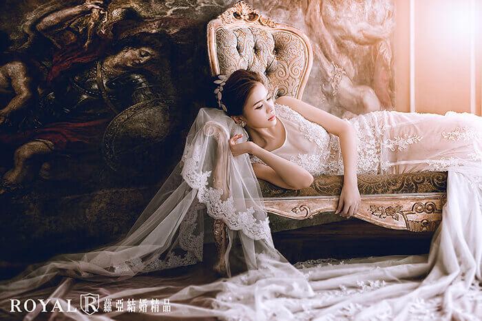 婚紗照-婚紗照姿勢-婚紗姿勢-躺下來-婚紗pose-婚紗照推薦-台北-蘿亞婚紗