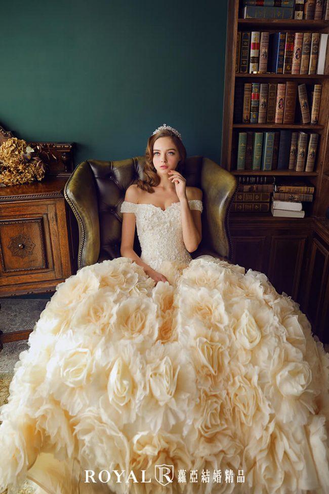 婚紗禮服款式-婚紗款式2019-卡肩白紗-卡肩婚紗