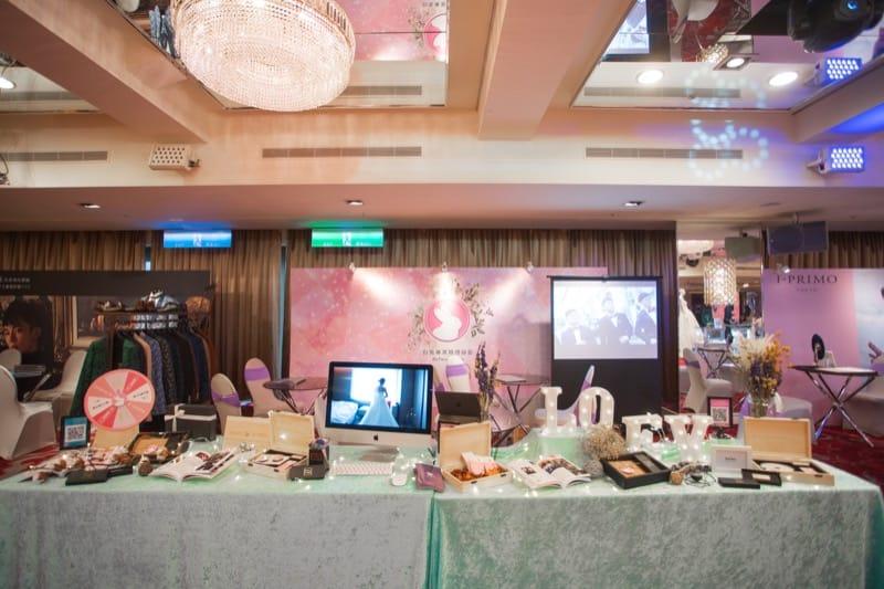 台北婚紗展-婚紗展評價-台北婚禮博覽會-小巨蛋囍宴軒-廠商攤位佈置-白兔婚禮錄影