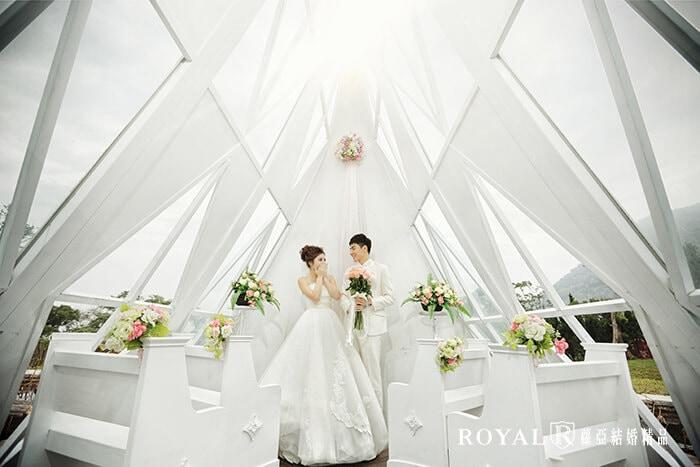 韓式婚紗-韓國婚紗-韓風婚紗-韓國婚紗攝影-台灣婚紗基地教堂造景拍出的韓式婚紗照,質感精緻更不失故事色彩