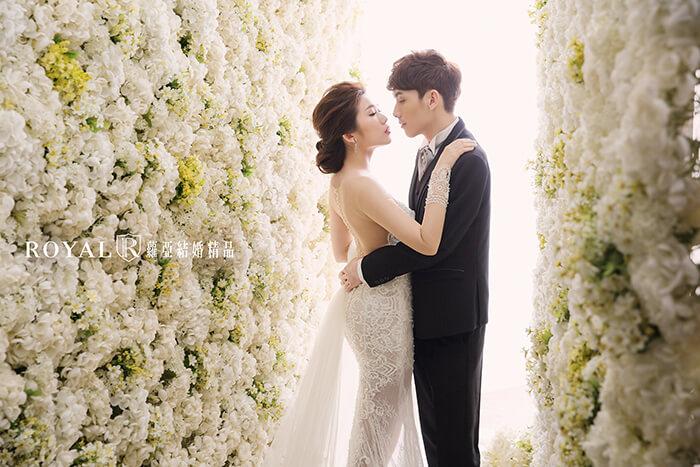 韓式婚紗-韓國婚紗-韓風婚紗-韓國婚紗攝影-蘿亞韓風花牆攝影棚,是許多台北新人指定拍攝,好評推薦的場景之一