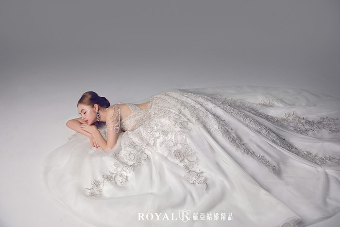 手工婚紗-婚紗款式2020-削肩婚紗-削肩白紗-婚紗禮服款式
