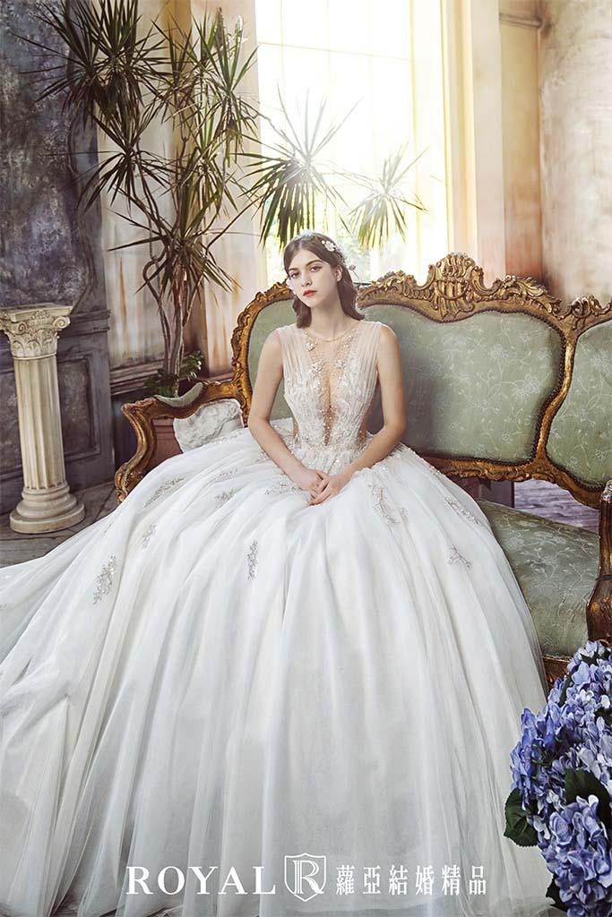 白紗-禮服-白紗款式-古典氣勢白紗-婚紗照-拍婚紗-台北-蘿亞婚紗