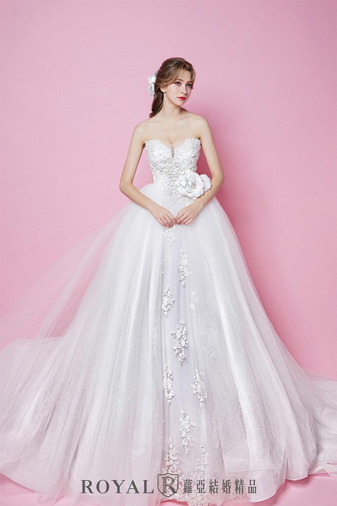 白紗-禮服-白紗款式-微深V桃心領白紗-婚紗照-拍婚紗-台北-蘿亞婚紗