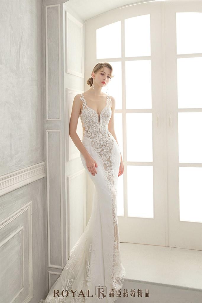 白紗-禮服-白紗款式-深V性感白紗-婚紗照-拍婚紗-台北-蘿亞婚紗