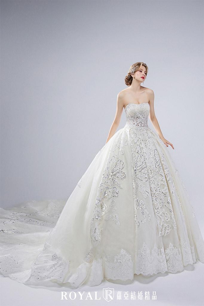 白紗-禮服-白紗款式-蕾絲澎裙白紗-婚紗照-拍婚紗-台北-蘿亞婚紗