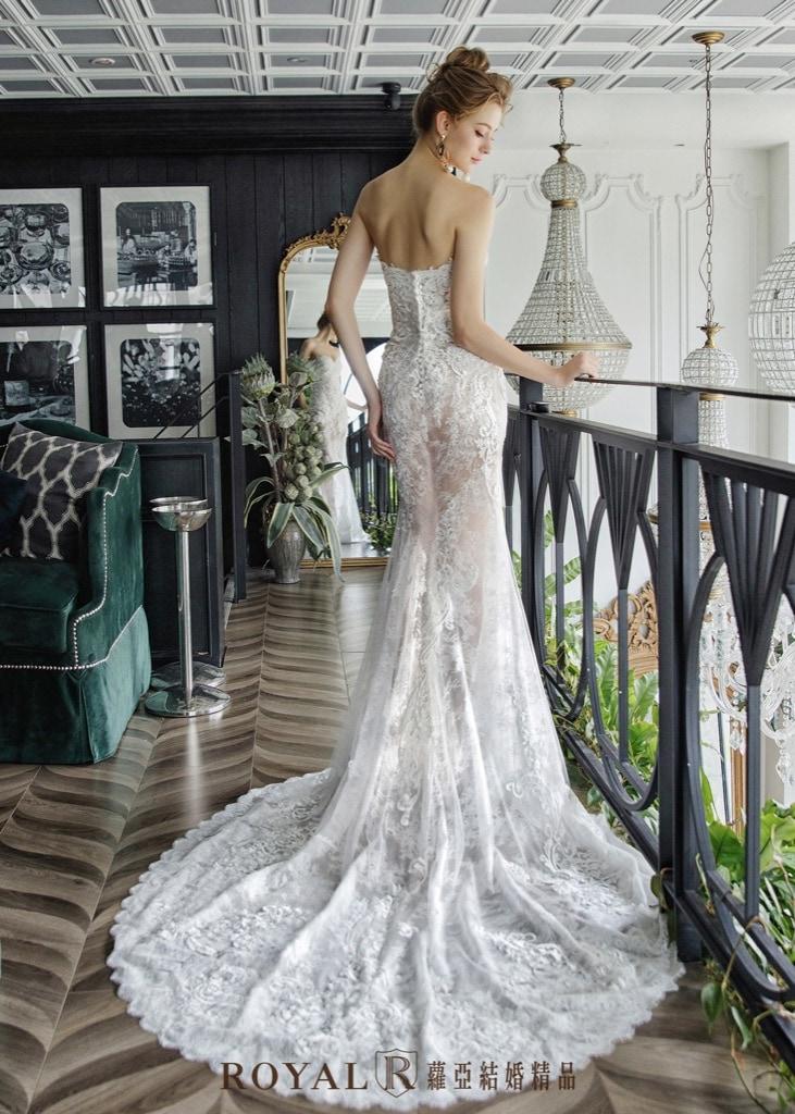 小隻女婚紗-新娘禮服-短拖尾窄身白紗-婚紗禮服-蘿亞婚紗-台北婚紗