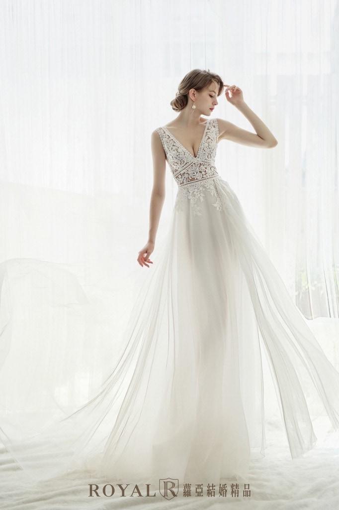 小隻女婚紗-新娘禮服-高腰深V白紗-婚紗禮服-蘿亞婚紗-台北婚紗